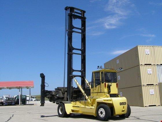2000 Clark 5ECH Diesel Container