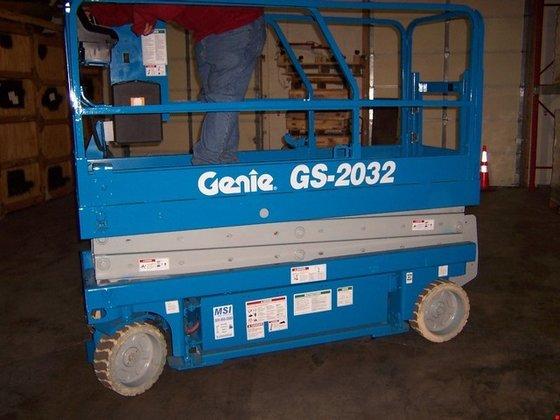 2002 Genie GS2032 Electric Scissor