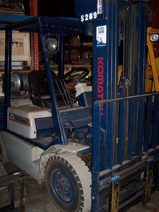 1993 Komatsu FG25TUS11 Pneumatic Tire