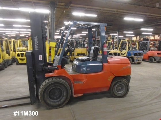 2009 Toyota 7FGUA50 Diesel Pneumatic