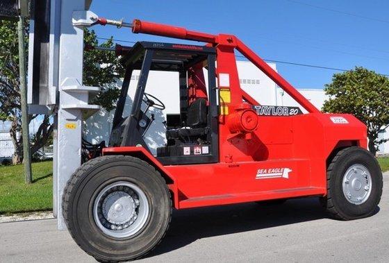 Taylor TSE120 Diesel Pneumatic Tire