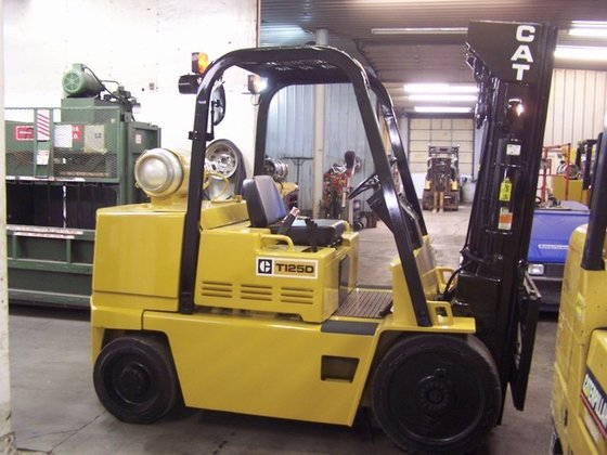1996 Cat T125D LP Gas