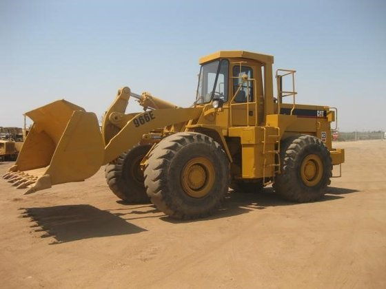 1989 CATERPILLAR 966E in Madera,