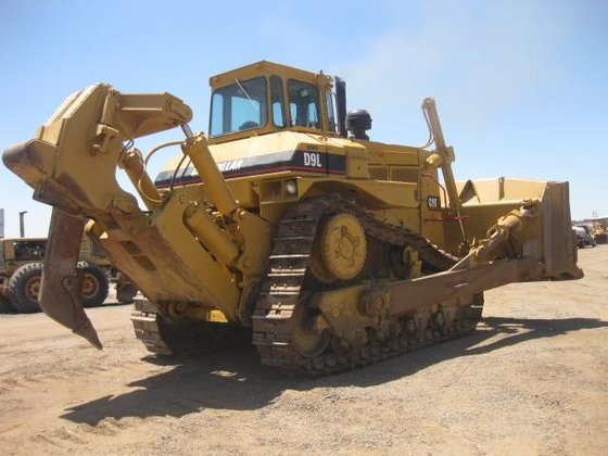 1981 CATERPILLAR D9L in Madera,
