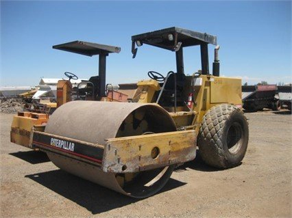1991 CATERPILLAR CS-563 in Madera,