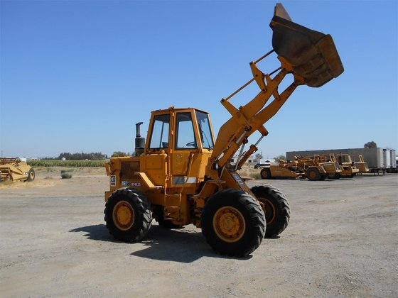 1980 CATERPILLAR 930 in Madera,