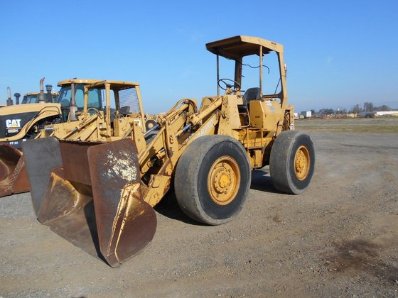 1978 CATERPILLAR 910 in Madera,
