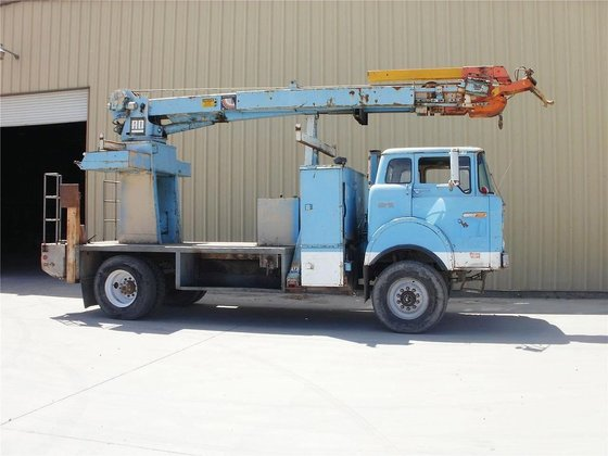 1984 FORD 800 in Madera,