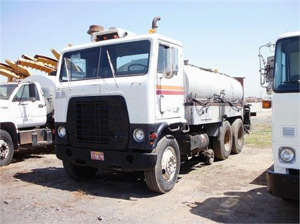 1974 FORD 8000 in Madera,