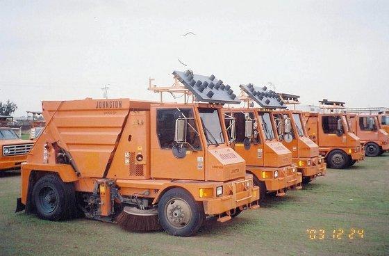 1997 JOHNSTON 4000 in Madera,