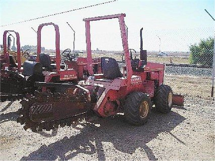 DITCH WITCH 2300 in Madera,