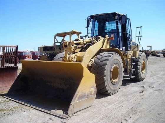 2001 CATERPILLAR 950G in Madera,