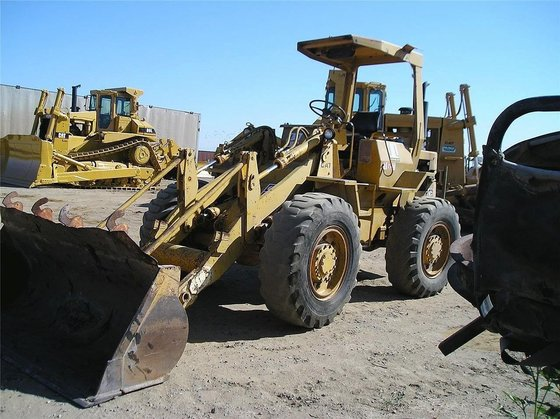CATERPILLAR 910 in Madera, CA