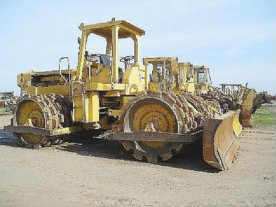 CATERPILLAR 825B in Madera, CA