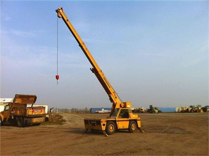 1990 BRODERSON IC80-2D in Madera,