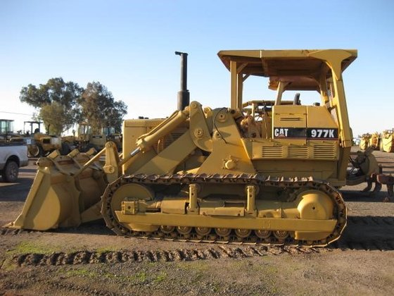 CATERPILLAR 977K in Madera, CA