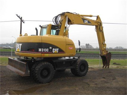 2005 CATERPILLAR M313C in Madera,