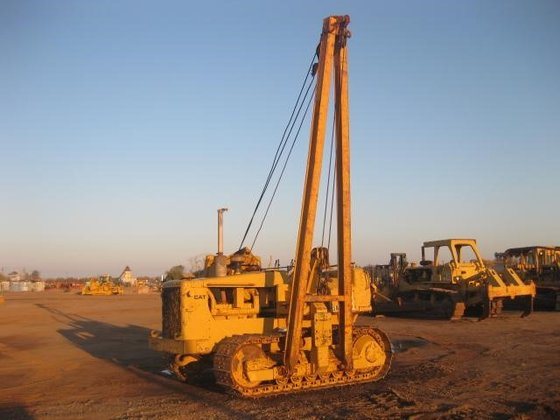 1988 CATERPILLAR 561D in Madera,