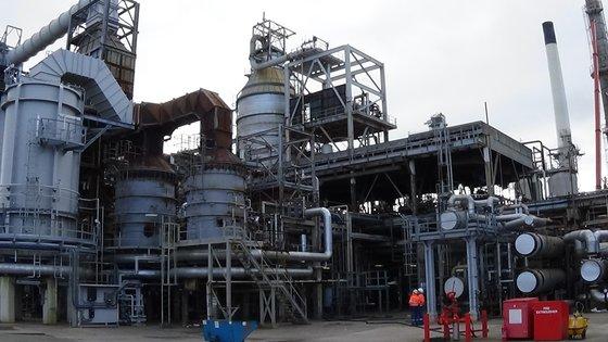 Refinery - 220,000 BPD in