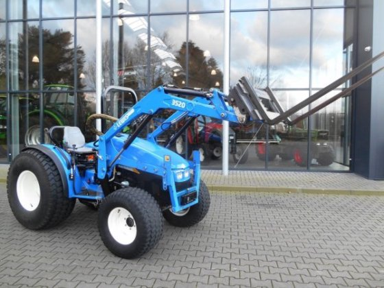 2008 New Holland T3030 in Boxtel, Netherlands