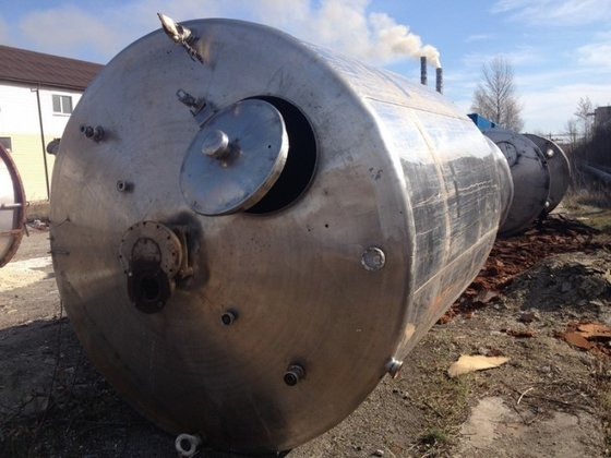 APPROXIMATELY 10,000 LITRE CAPACITY STAINLESS