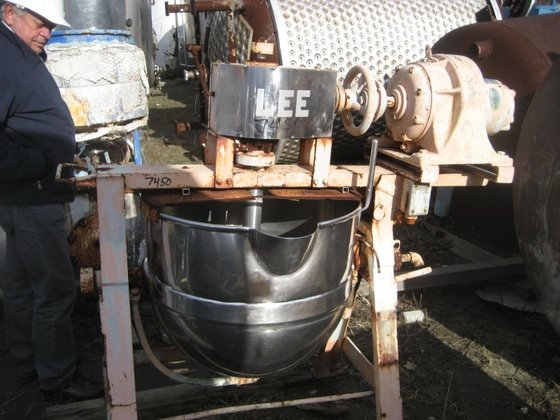 APPROXIMATELY 30 GALLON SANITARY JACKETED
