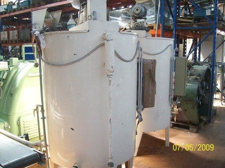STAINLESS STEEL CHOCOLATE MIXING TANK