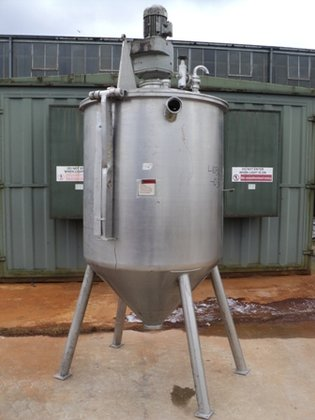 APPROXIMATELY 1,200 LITRE CONICAL MIXING