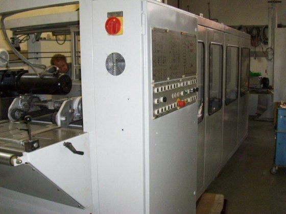 1992 Renovated thermoforming machine by