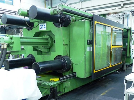 injection molder by ENGEL type
