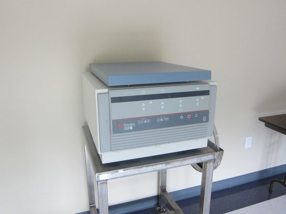 IEC CENTRA GP8 II5681 CENTRIFUGE