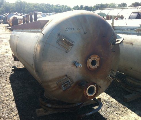 INDUSTRIAL PIPING APPROXIMATELY 850 GALLON