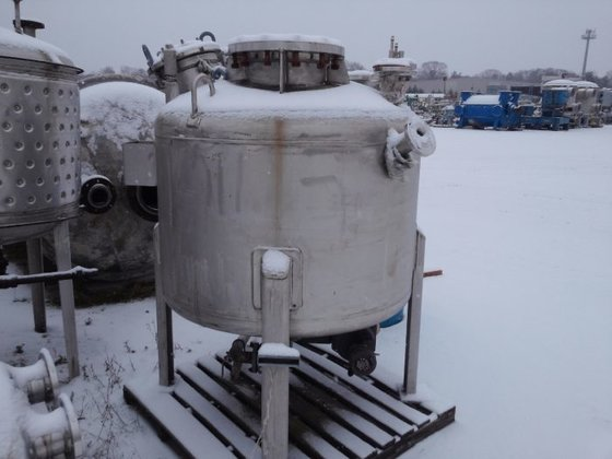 APPROX 250 GALLON STAINLESS STEEL