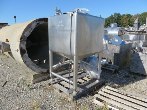 APV APPROXIMATELY 250 GALLON STAINLESS