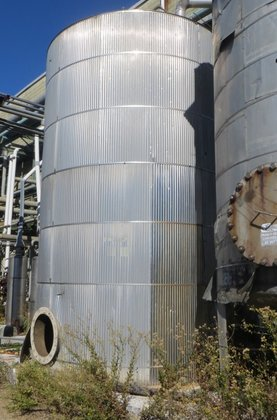 APPROXIMATELY 10,000 GALLON VERTICAL STAINLESS