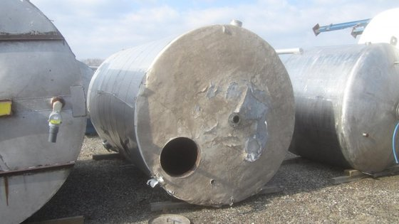 APPROXIMATELY 4,000 GALLON STAINLESS STEEL