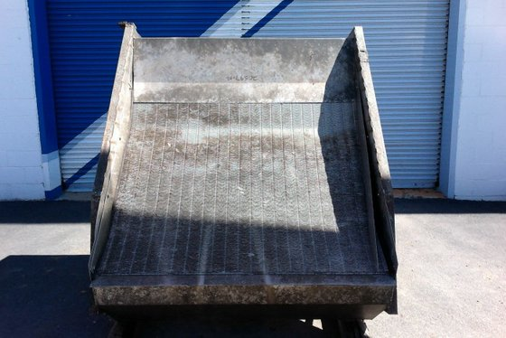 60″ INCLINED HYDRASIEVE. STAINLESS STEEL