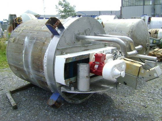 APPROXIMATELY 2,200 LITRE STAINLESS STEEL
