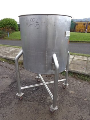 APPROXIMATELY 500 LITRE CAPACITY STAINLESS