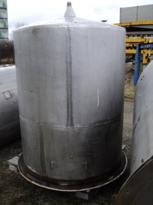 APPROXIMATELY 1,800 LITRE STAINLESS STEEL