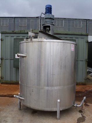 APPROXIMATELY 4,500 LITRE STAINLESS STEEL