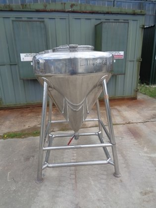APPROXIMATELY 600 LITRE CAPACITY 316