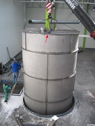 2009 LITTLE STORAGE TANK FOR