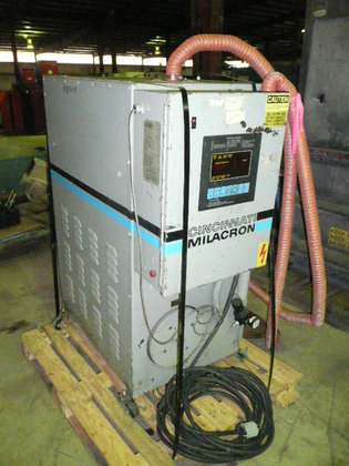CINCINNATI MILACRON DRYER DEHUMIDIFYING HOPPER