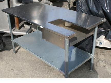 STAINLESS STEEL 60″X30″ ACCUMULATION TABLE