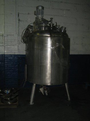 APPROXIMATELY 200 GALLON VERTICAL STAINLESS