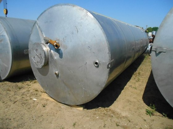 APPROXIMATELY 6,000 GALLON 304 STAINLESS