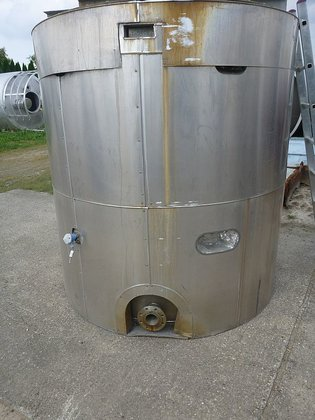 vertical mixing tank with total