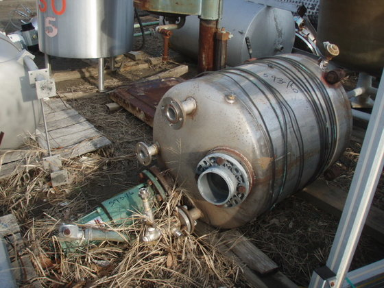 STAINLESS STEEL MIX TANK. 3′
