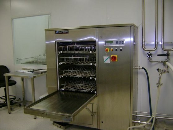 2004 LAVEUR-LANCER 1600UPDP BOTTLE WASHER,